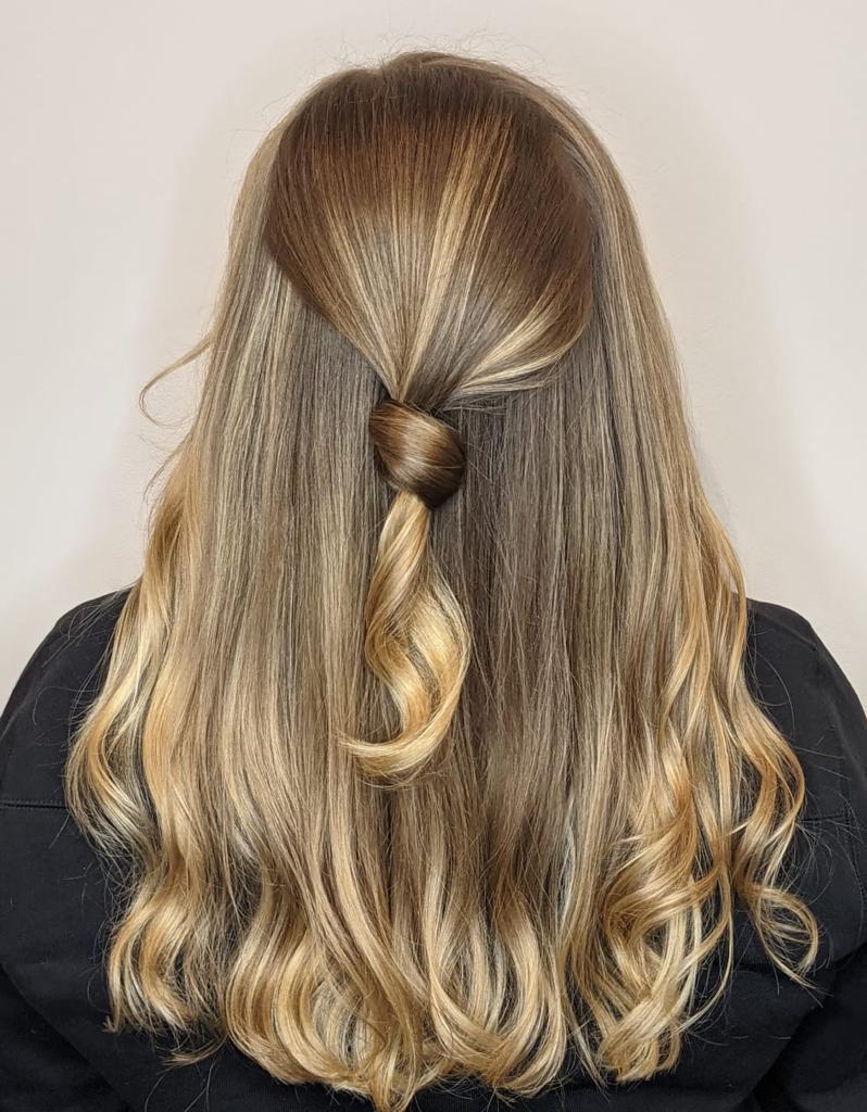 hair-styling-ponytail