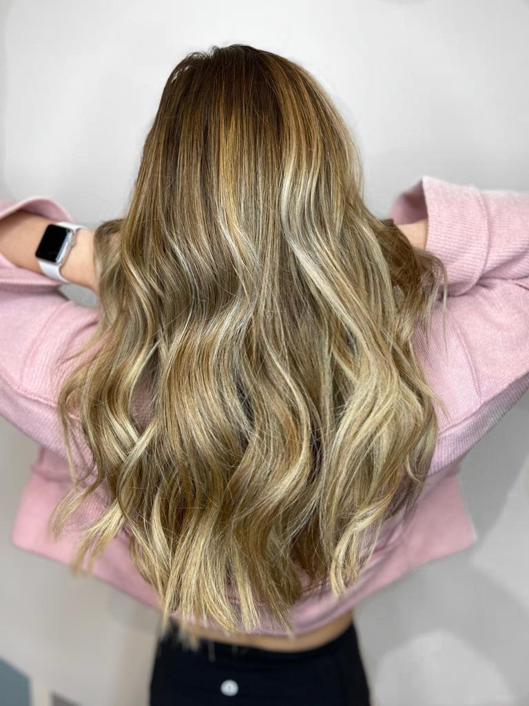 platinum-blonde-balayage-highlights